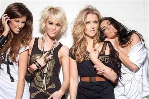 Aimee Rok Blus 02 southport singer aimee kearsley and band fanfair gear
