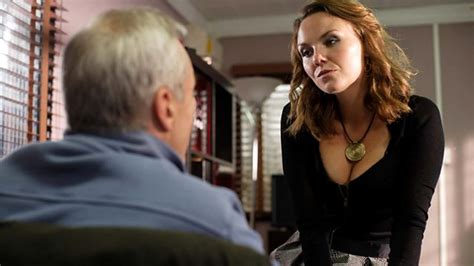 janine butcher curly hair bbc one eastenders 29 10 2009
