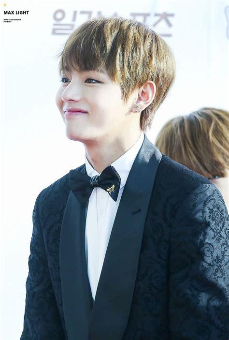 kim taehyung smile die besten 25 taehyung smile ideen auf pinterest v