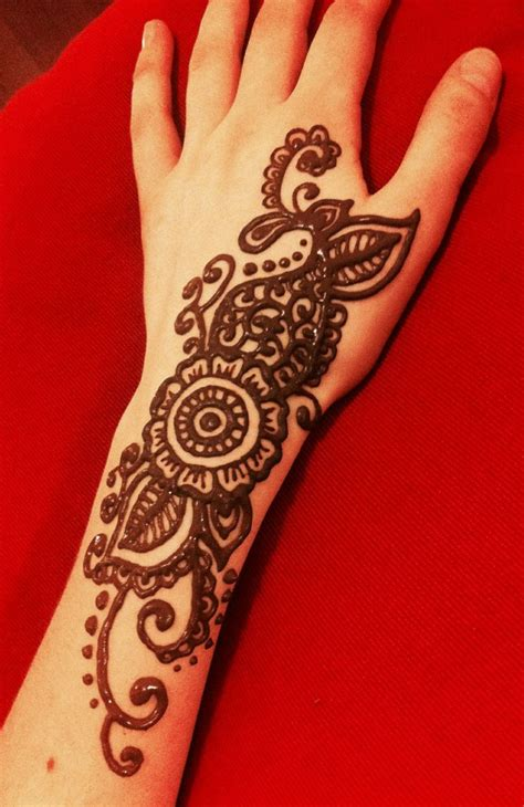 henna design arm flower swirly henna on my arm henna designs pinterest