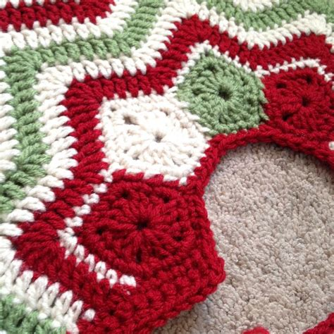 crochet christmas tree skirt patterns crochet tree skirts happy holidays