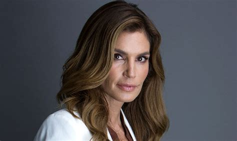 libro becoming cindy crawford descubrimos por qu 233 cindy crawford siempre est 225 perfecta foto 1