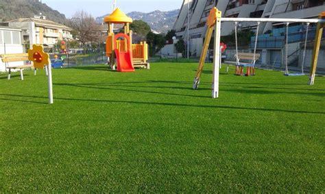 tappeto erboso sintetico un giardino in erba sintetica piace a tutti grandi e piccoli