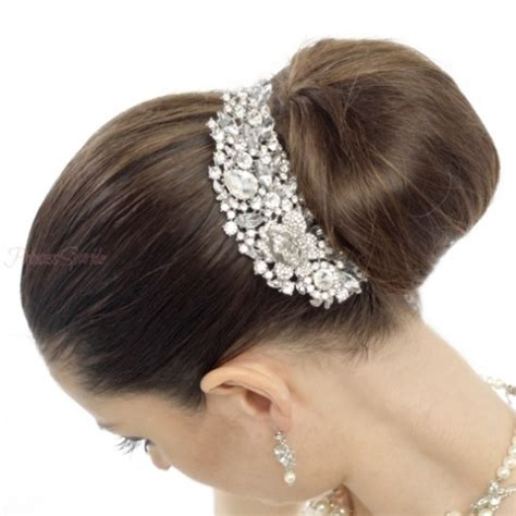 Hair Accessories Bun by Top 5 Tips To Choose A Wedding Hair Accessory