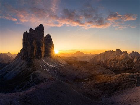 dolomites italy poster majestic  peaks tre cime  lavaredo sunrise ultra hd wallpapers