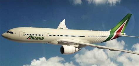 boeing 777 alitalia interni alitalia nuova livrea per il boeing 777