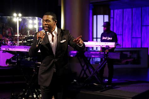 steve harvey show weave vendor keith sweat appears and performs on the steve harvey show