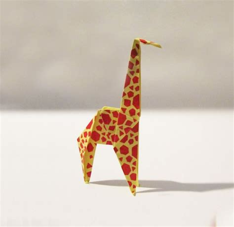 Origami Giraffe Easy - 25 best ideas about giraffe origami on