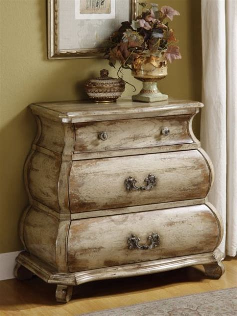 How To Paint White Distressed Furniture by Give Your Furniture An Antiqued Or Distressed Look Ladulcelavie