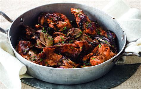 cucinare radicchio rosso in padella ricetta coniglio in padella con radicchio la cucina italiana