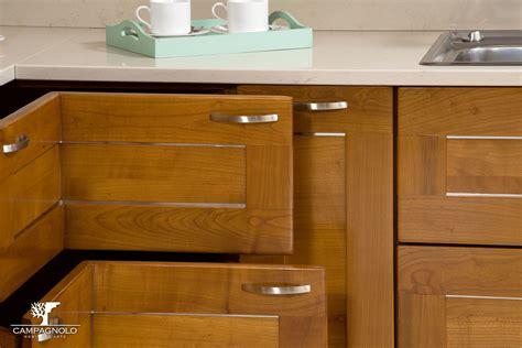 in cucina con ombretta mobili cucina cagnolo mobili