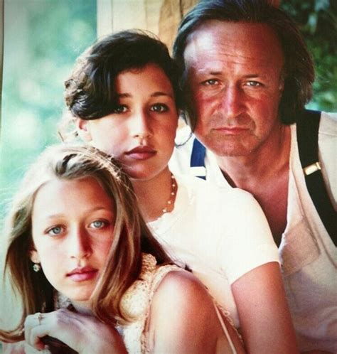 how many kids does yolanda foster have mohamed hadid with his daughters from first marriage