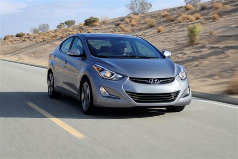 hyundai elantra 2015 2015 hyundai elantra gets new colors and equipment