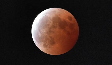 How Does The Moon Get Its Light Blood Moon Sunday Night Don T Hold Your Breath Waiting