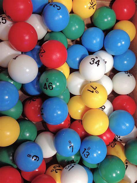 Black Table Set Bingo Balls Colored Loria Awards
