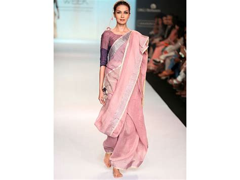 how to drape saree pallu 11 easy stylish saree pallus that you have never seen