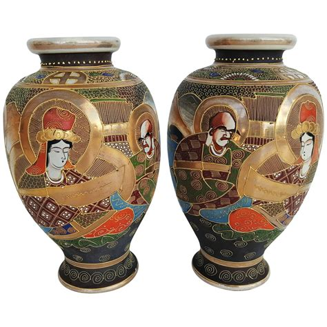 early 20th century pair of japanese satsuma vases in