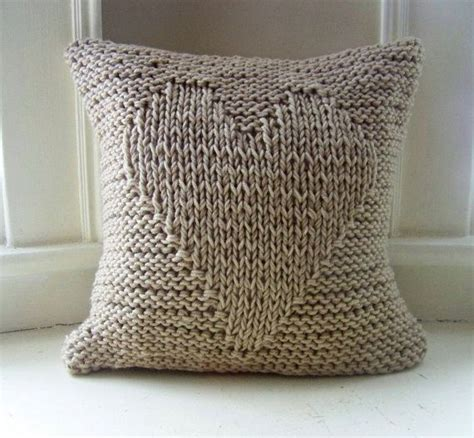 knitting pattern heart pillow 21 best pillows images on pinterest cushion covers knit