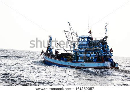 shrimp boat vector shrimp boat stock photos images pictures shutterstock