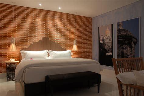 cuarto hotel habitaciones bien pensadas