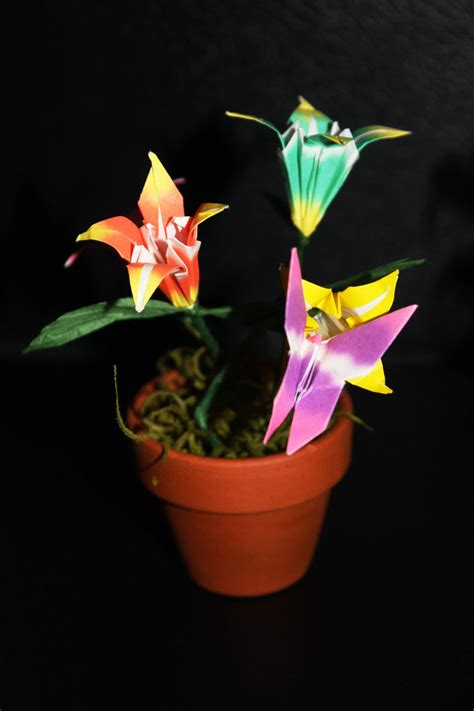 Origami Pot - origami flower pot by distantvisions on deviantart