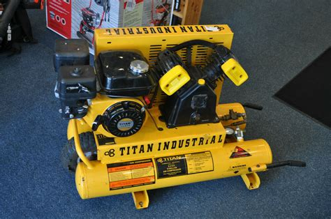 titan industrial 5 5hp 8 gallon cylinder air compressor pre owned ebay