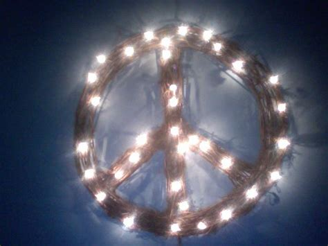 lighted peace sign wreath i found this lighted peace sign wreath at tree