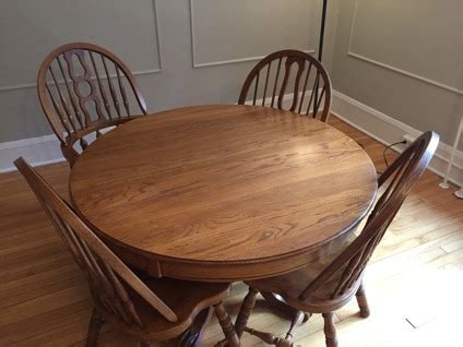 keller furniture oak dining room table and 4 chairs for