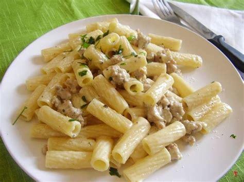 primi piatti con panna da cucina pasta con la salsiccia e panna pasta ricetta pasta con