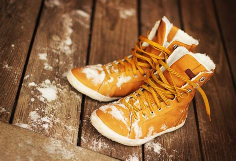 how to protect leather shoes in winter chamberlains