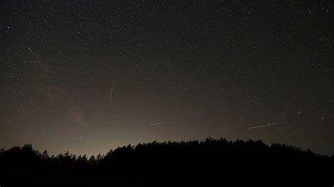 el brillo de las 191 veremos las perseidas las nubes y el brillo de la luna podr 237 an apagar las noches de las