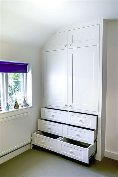 In Wardrobe - enhance you bedroom with gorgeous fitted wardrobes