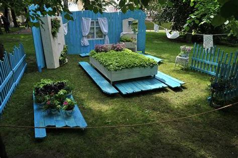 Recycling In The Garden Ideas Recycling Wood Beds For Yard Landscaping And Decorating With Flowers