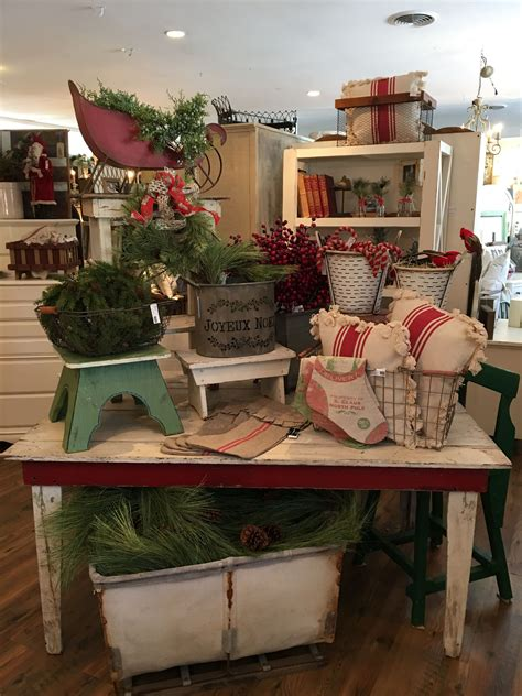 design ideas holiday store visual merchandising retail store display antique