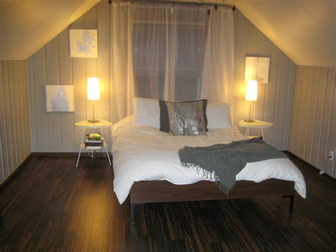 redo bedroom remodelaholic painting over knotty pine paneling