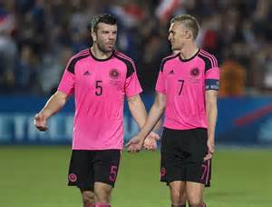 Another Pink Kit by Fabio Borini Pretty In Pink As Sunderland Release Daring