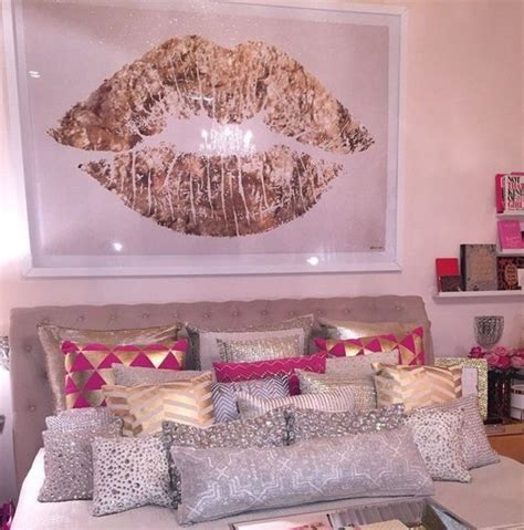 White And Gold Bedroom Furniture by Pink White And Gold Bedroom