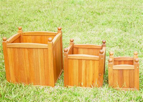 three square wooden planter set 163 69 99