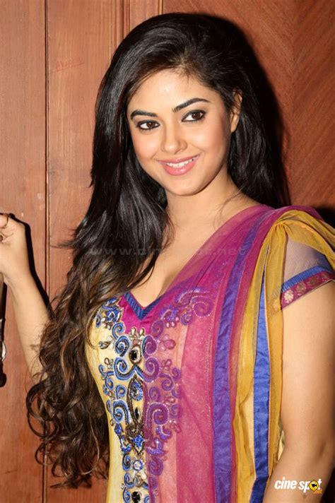 meera biography in hindi meera chopra biography wiki age height and complete