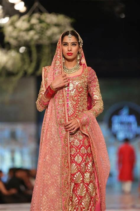 best designers best popular top 10 pakistani bridal dress designers hit list