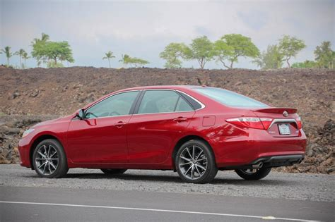 2014 toyota camry safety rating 2017 toyota camry safety review and crash test ratings the
