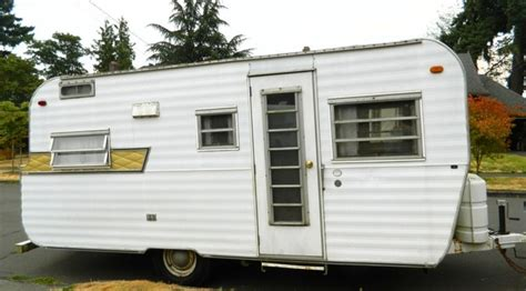 small lightweight travel trailers with bathroom 1000 ideas about travel trailer manufacturers on