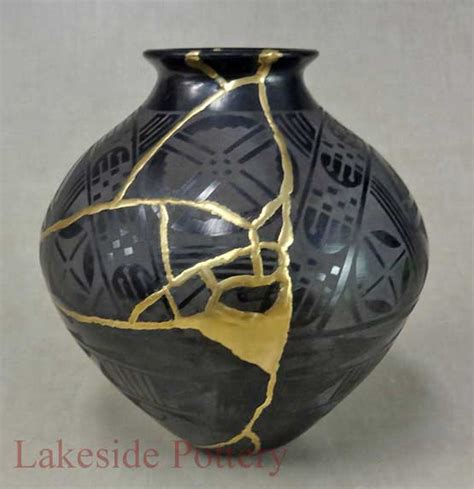 kintsugi exles pottery repair using gold joinetry