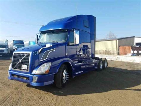 Volvo Vnl 670 2014 Sleeper Semi Trucks