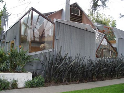 Frank Gehry House by Frank Gehry S Santa House