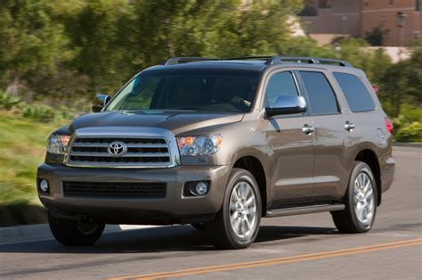2013 toyota sequoia 2013 toyota sequoia reviews and rating motor trend