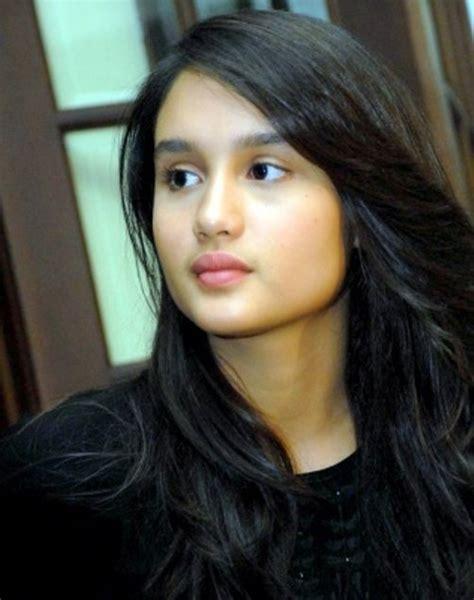 Video Film Cinta Laura Cinderella | gambar cantik wajah terkini pelakon remaja indonesia