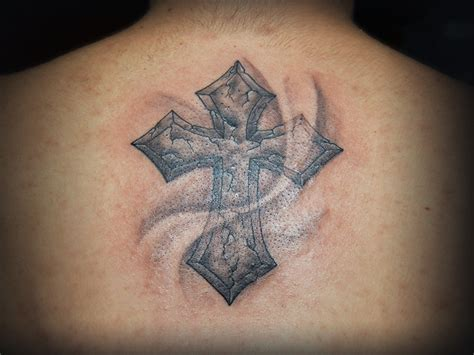 cracked cross tattoo cracked cross designs pictures to pin on