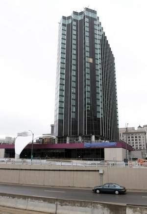 crowne plaza detroit new crowne plaza 174 detroit downtown hotel to open on