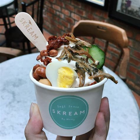 nasi lemak nasi lemak ice cream sundae is now a thing eatbook sg